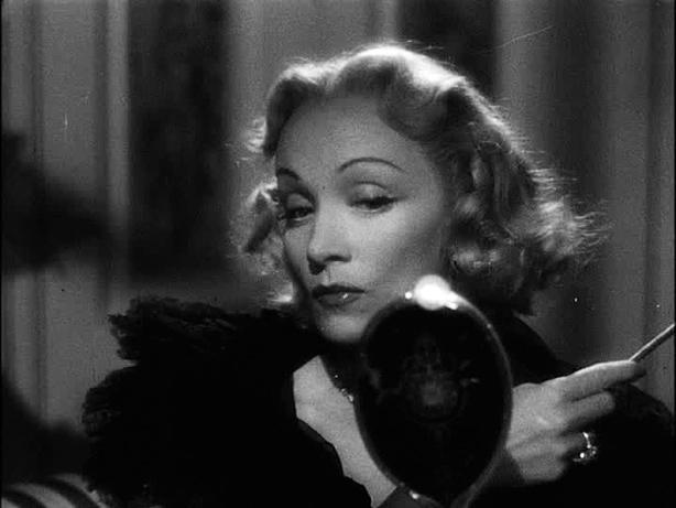 Marlene Dietrich - Wallpaper Colection